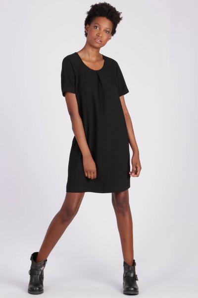 Robe noire manches courtes              title=