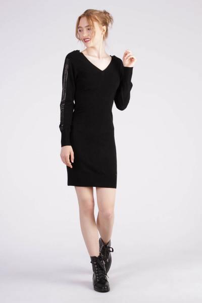 Robe noir tendance et chic              title=