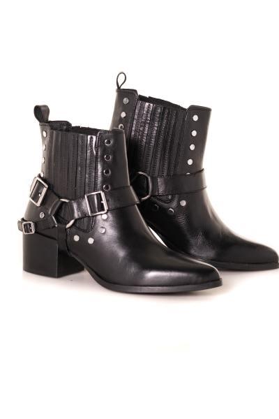 Boots en cuir noire              title=