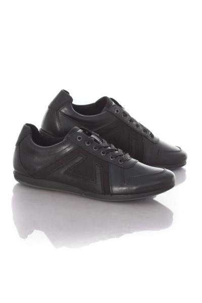 klassische, schwarze Redskins -Schuhe