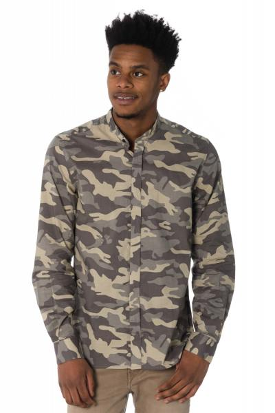 Hemd im Camouflage-Print              title=
