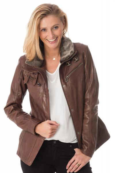Manteau en cuir chic pour femme              title=