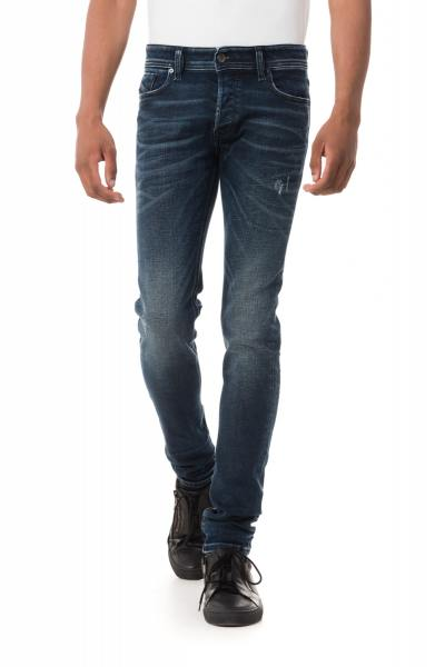 Jean homme Diesel coupe skinny              title=