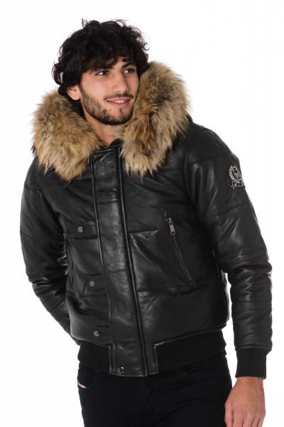 Doudoune homme en cuir de mouton avec fourrure raccoon              title=