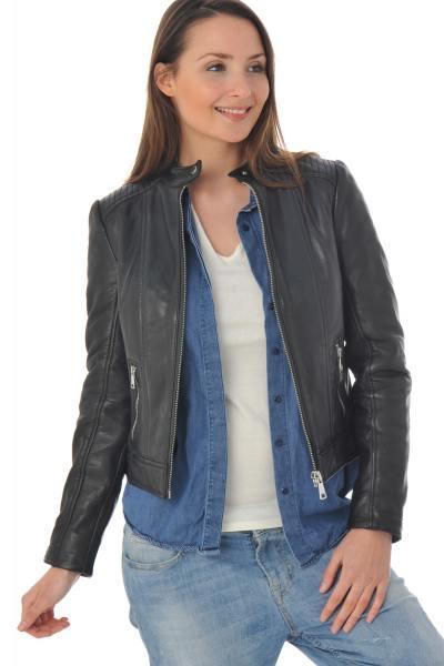 Blouson en cuir style motard pour femme              title=