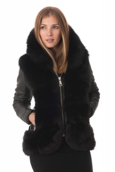 Veste en cuir de mouton avec fourrure en renard              title=