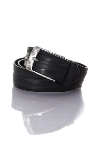 Gürtel aus schwarzem Leder in Vintage-Optik
