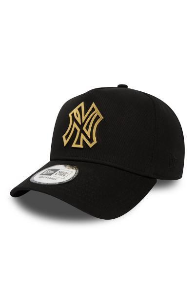 Casquette noire avec écusson en métal or des New York Yankees              title=