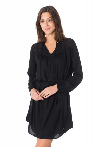 Robe noire ceinturée Kaporal              title=