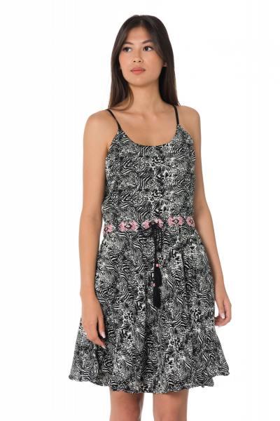 Kleid im schwarz-weißen Print Kaporal