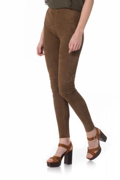 Legging en cuir marron velours              title=