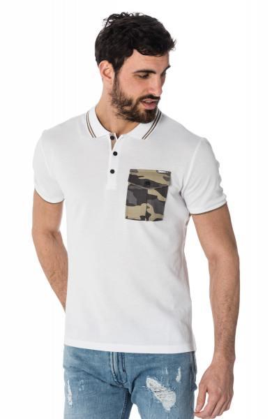 weißes Polo-Shirt mit kontrastierender Tasche im camouflage Print              title=