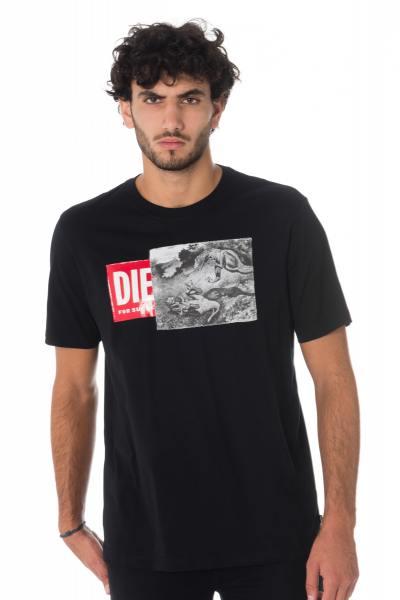 Tee-shirt homme Diesel avec dinosaures               title=