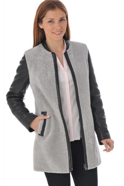 Manteau en cuir d'agneau et laine de mouton              title=