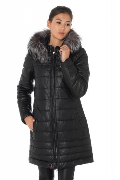 Doudoune femme en cuir de mouton noir avec fourrure raccoon              title=