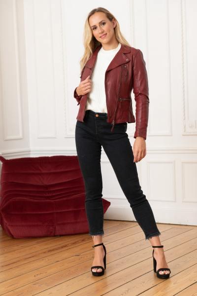 Rote Damen Lederjacke im Perfecto-Stil