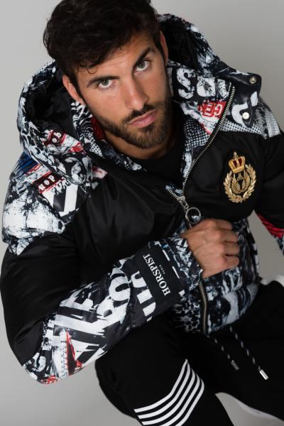 Jacke mit schwarz-weißem Druck