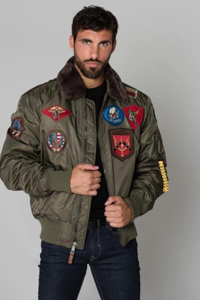 Blouson homme avec patchs              title=