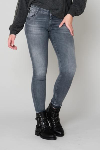 Schlanke graue 7/8 Jeans