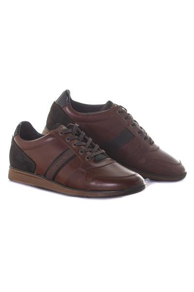 Chaussures en cuir marron              title=