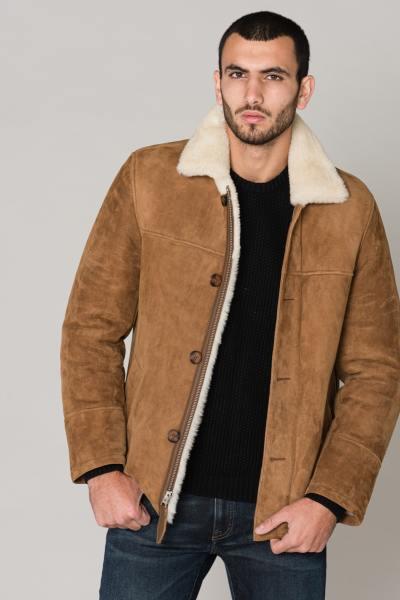 Veste marron en mouton retourné              title=