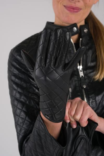 Handschuhe aus schwarzem Lammleder              title=