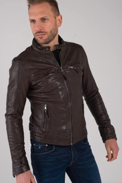 Braune Jacke aus pflanzlichem Schaffell              title=