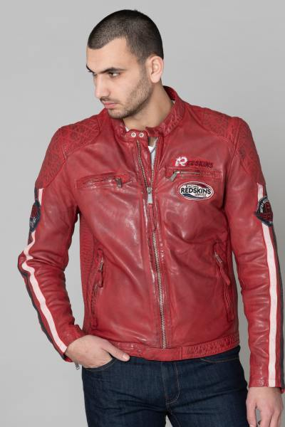 Rote Lederjacke mit Biker-Patches              title=