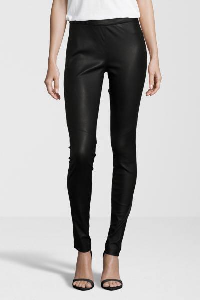 Pantalon noir en cuir d'agneau              title=
