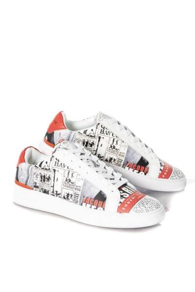sneakers streetwear               title=