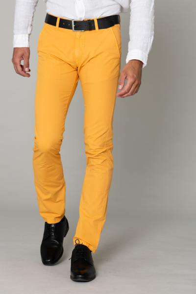 Gelbe Chino-Hose              title=