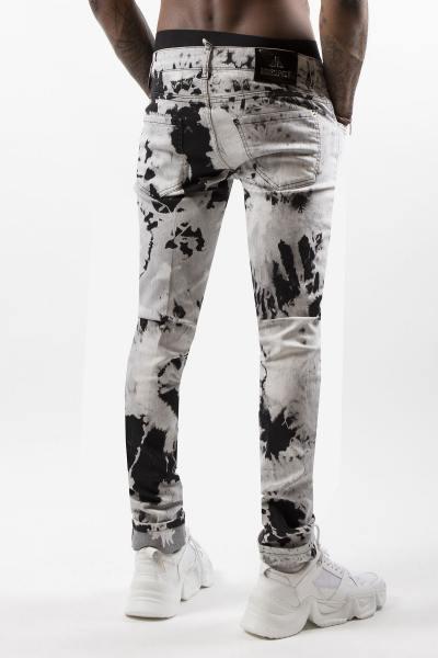 Schwarz-weiß gemusterte modische Jeans