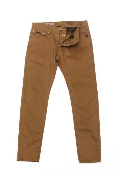 Pantalon chino couleur camel              title=