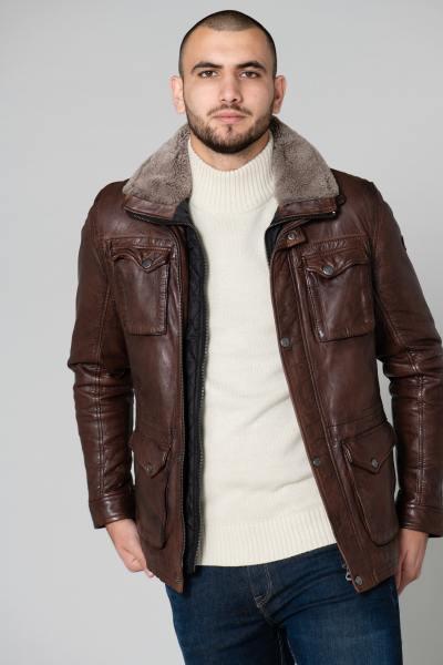 Veste mi-longue en cuir marron et col fourré              title=