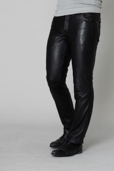 Hose aus schwarzem Lammleder