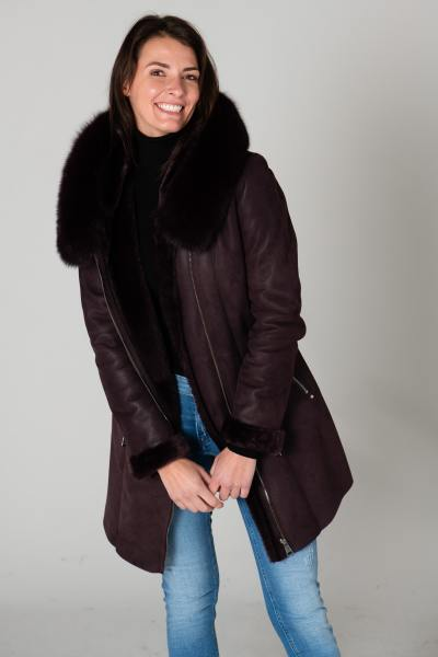Long manteau fourrure bordeaux