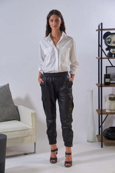Schwarzes Leder Kampf Stil Hose
