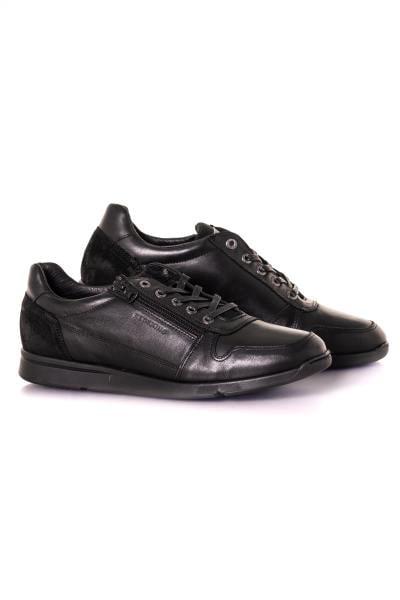 Baskets en cuir noir