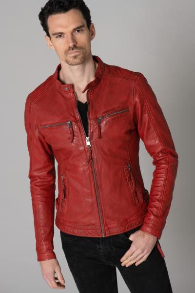 Blouson en cuir rouge coupe près du corps