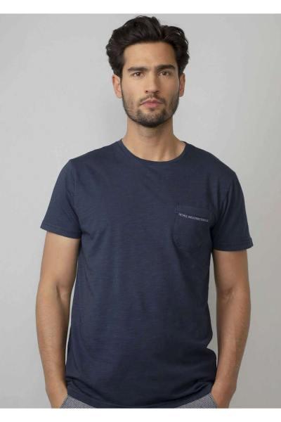 Einfarbiges dunkelblaues T-Shirt mit Brusttasche