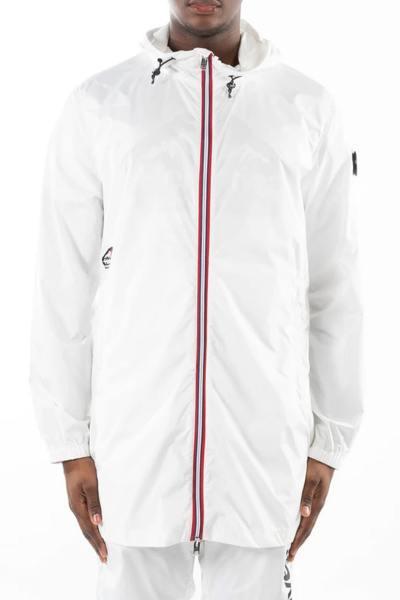 Lange weiße wasserdichte Jacke