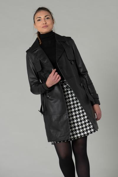 Langer schwarzer Leder-Trenchcoat