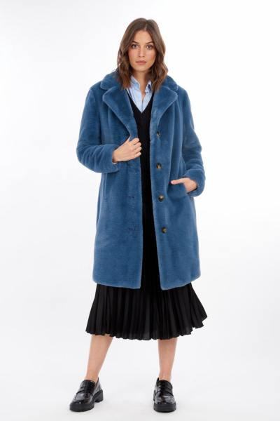 Langer Mantel aus blauem Kunstfell