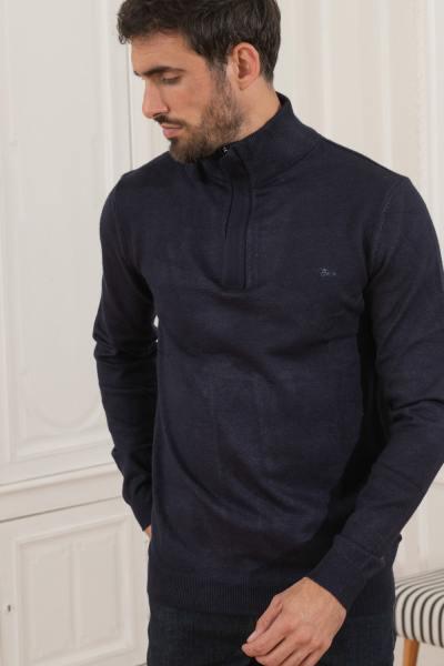 Marineblauer Pullover mit hohem Halsausschnitt